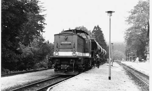 Juni 1991 in Drei Annen Hohne: 199 879 trägt mit Schablonen aufgetragene Betriebsnummer(Von A. Goschalla)