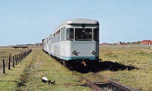 Der T 4 in hellblau/grauer Lackierung im Einsatz auf Juist am 23. September 1969Foto: Wolfgang Reimann