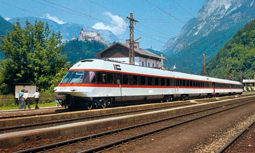 27. Juni 1976: Zwischenhalt bei einer Sonderfahrt in Österreich im Bahnhof Werfen zwischen Salzburg und Bischofshofen. (Foto: Theodor Horn)
