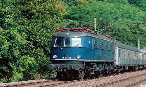 Oktober 1977: Der Eilzug Würzburg–Heidelberg hat gerade Zwingenberg (Neckar) durchfahren Thomas Naumann