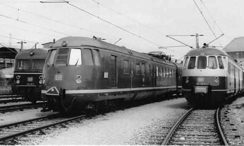Unterhalten wurden die Triebzüge im AW München-Freimann. Dort steht am 15. Mai 1979 zwischeneinem 425er und einem 430er der 456 104 Edgar Fischer/Archiv GeraMond